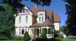 A Stay In This Small-Town Victorian Bed And Breakfast In Minnesota Will Take You Back In Time