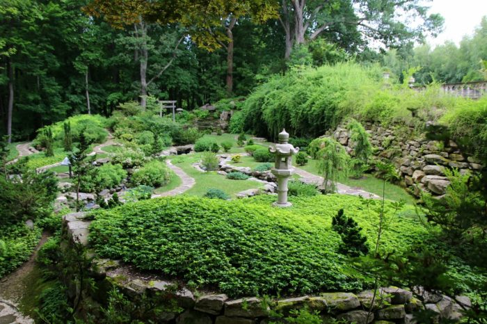 Illuminated Garden Walk In Ohio: Light Nights at Stand Hywet Hall ...
