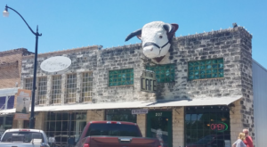 People Drive From All Over For The Pie At This Charming Texas Diner