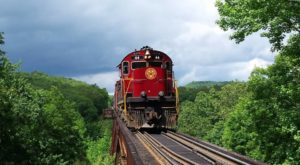This 70-Mile Train Ride Is The Most Relaxing Way To Enjoy Arkansas Scenery