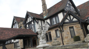 These 8 Tours Will Take You To The Most Haunted Places In Cleveland