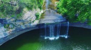 The Incredibly Beautiful Waterfall In Kentucky Many Never Knew Existed