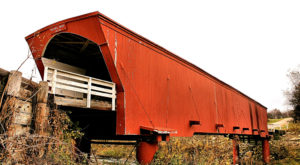 The Enchanting County In Iowa That's Home To 6 Covered Bridges