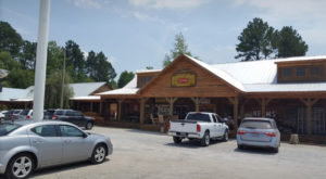 The South Carolina BBQ Restaurant In The Middle Of Nowhere That's So Worth The Journey
