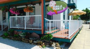 This Eccentric Ice Cream Shop In Indiana Is A Vintage Paradise