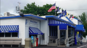 The Pies At This Historic Restaurant In Maine Will Blow Your Taste Buds Away