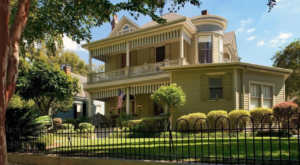 Mississippi's Victorian Bed And Breakfast Is The Definition Of A Hidden Gem
