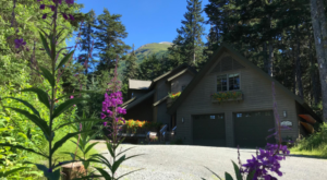 The Hidden Bed & Breakfast In Alaska That's Better Than A Five Star Hotel