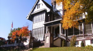 Spend A Weekend At This Kansas Bed & Breakfast Surrounded By Fall Foliage