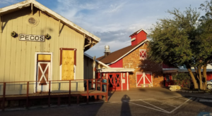 There's A Delicious Steakhouse Hiding Inside This Old Texas Barn That's Begging For A Visit