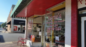 You'll Want To Visit This Iconic Sandwich Shop In Alabama That's Full Of History