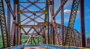The Remarkable Bridge In Missouri That Everyone Should Visit At Least Once