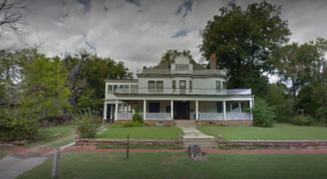 This Old Funeral Home In Oklahoma Is Now A Haunted B&B And One Visit Will Give You Nightmares