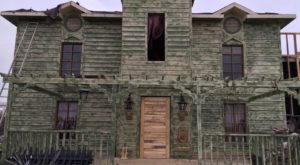 This Old Funeral Home In Texas Is Now A Haunted House And One Visit Will Give You Nightmares