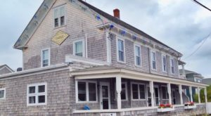 The Quirky Motel In Rhode Island You Never Knew You Needed To Stay At