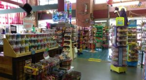 The Gigantic Candy Store In Missouri You'll Want To Visit Over And Over Again