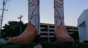 10 Oddly Gigantic Items You Can Only Find In Texas And Can't Stop Staring At