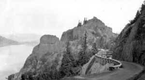 These 11 Historical Photos Of The Columbia River Gorge Will Transport You To A Different Era