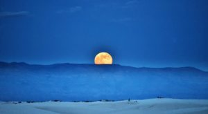 The Full Moon Hike In New Mexico You Absolutely Must Participate In