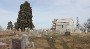 You Might Just Spot A Ghost At The Most Haunted Cemetery In Nebraska