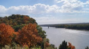 Visit This Tiny Town In Missouri To See The Most Incredible Fall Colors
