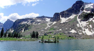 Most People Will Never See This Wondrous Lake Hiding In Wyoming