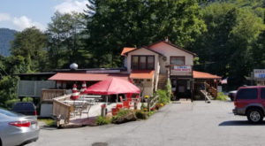 The Roadside Mountain Restaurant In North Carolina You'll Want To Visit Over And Over