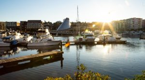 You'll Find The Best Waterfront Dining At This Hidden Gem In Washington