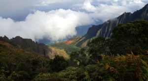 The Hawaii Hike That Leads To The Most Unforgettable Destination