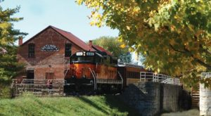 This 20-Mile Train Ride Is The Most Relaxing Way To Enjoy Indiana Scenery