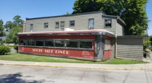 The 1940s Soda Shop In Indiana Where You'll Experience Old-Fashioned Dining