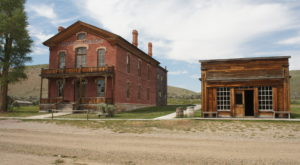 You'll Love Driving Through This Eerie Montana County Full Of Ghost Towns