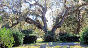 You Might Just Spot A Ghost At The Oldest Cemetery In Florida