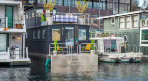 The Stunning Harbor Houseboat For Rent In Washington That Is The Perfect Staycation Getaway