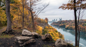The Fall Hike Near Buffalo That Takes You Straight Through A Breathtaking Gorge