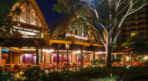 This One Of A Kind Restaurant In Hawaii Is Fun For The Whole Family