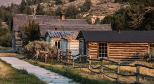 The Montana Ghost Town That's Perfect For An Autumn Day Trip