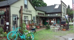 This Funky Antique Shop In Connecticut Feels Like A Giant Treasure Hunt