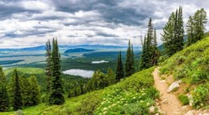 The Wyoming Hike That Leads To The Most Unforgettable Destination