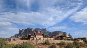 The Arizona Ghost Town That's Perfect For An Autumn Day Trip