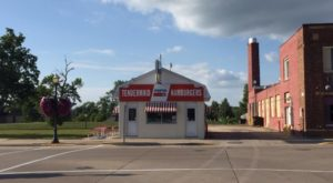 Blink And You'll Miss These 11 Tiny But Mighty Restaurants Hiding In Minnesota