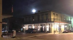This Candlelight Ghost Tour In A Small Texas Town Is Hauntingly Charming