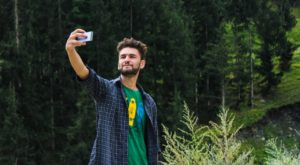 Why Medical Experts Are Saying That Selfies Should Be Banned At Tourist Spots
