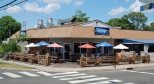 The Beach-Themed Restaurant In Connecticut Where It Feels Like Summer All Year Long