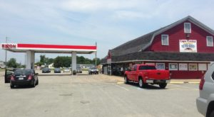 Some Of The Best Crab Cakes In Virginia Are Hiding Inside This Unsuspecting Gas Station