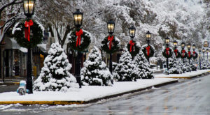 At Christmastime, This Pennsylvania Town Has The Most Enchanting Main Street In The Country