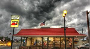 This Timeless 1950s Restaurant In Missouri Sells The Best Burgers In America