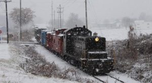 Pennsylvania's Holiday Wine-Themed Train Ride Is All You Need This Season