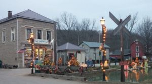 The Old Fashioned Christmas Walk Near Cincinnati You'll Want To Experience This Season