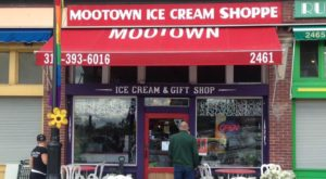 The Ice Cream Parlor In Detroit That's So Worth Waiting In Line For